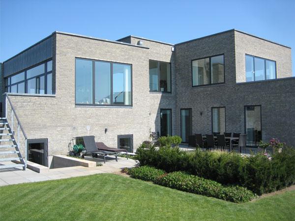 Moderne villa i 5 forskudte plan arkitekthuset skovsted for Villa moderne 2016